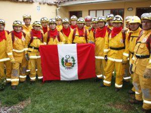 Bomberos forestales peruanos viajan a Chile para sofocar incendios forestales