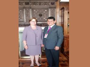 Primera Dama y gobernador de Huánuco coordinan proyectos de apoyo social