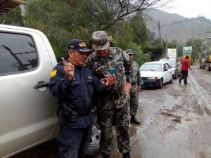 Santa Eulalia: PNP y bomberos desarrollan labor a favor de afectados por huaico