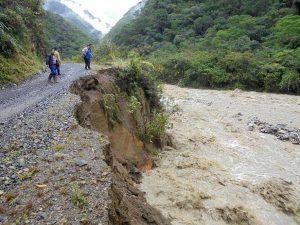 Intensas lluvias aíslan pueblos en Satipo