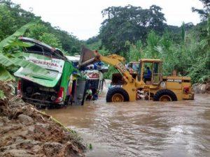 Volcadura de bus interprovincial deja 36 heridos en Satipo