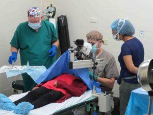 Vraem: Facilitan tratamiento oftalmológico a ciudadanos de bajos recursos