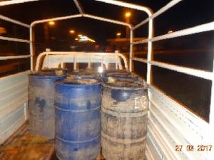 Policía incautó más de 400 galones de combustible