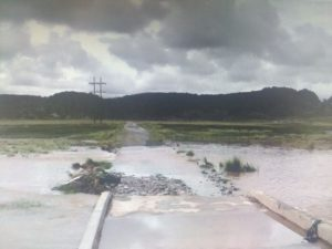 Pasco: Lluvias amenazan puente peatonal de Paccchull