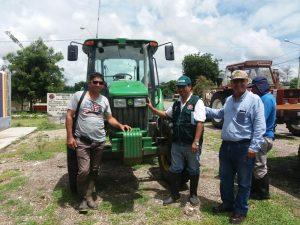 Piura: Asociaciones de banano recibieron tractores