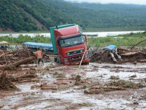 Junín: Tres personas desaparecidas tras huaico en Río Tambo