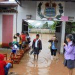 Tingo María: 250 niños evacuados de escuela por desbordes