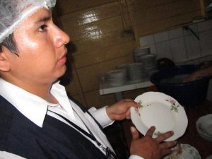 Puerto Maldonado: Clausuran dos restaurantes por incumplir normas sanitarias