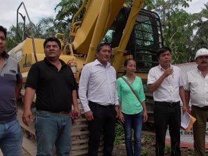 Tocache: Entregan maquinaria para descolmatación de ríos