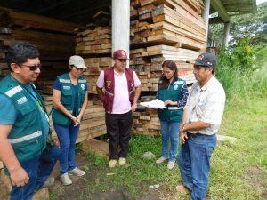 Transfieren más de 9 000 pies tablares de madera para damnificados de Junín
