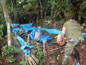 Pachitea: Policía destruye laboratorio rústico de elaboración de PBC