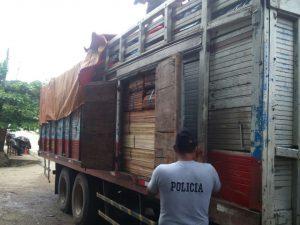 Leoncio Prado: Policía incauta 3 000 pies tablares de madera