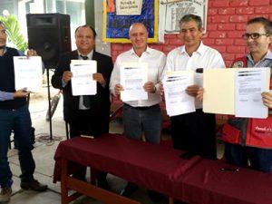 Piura: Entregan terrenos para construir colegios en zona afectada por desastres