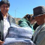 Ayacucho: Entregan centenar de frazadas para combatir el frío en Jesús Nazareno