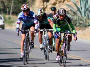 Ciclistas listos para competir en la III Vuelta a la Ciudad de Huánuco