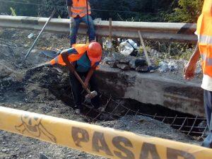 Inician trabajos de conservación del puente Tocache