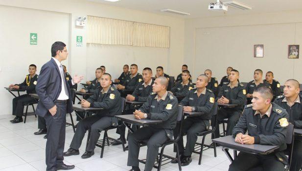 Gobierno incorpora 6.392 policías a patrullaje y seguridad ciudadana en Perú — VENEZUELA