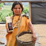 Comunidades mejoran sus ingresos con café de bosques conservados