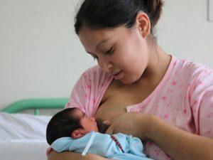 Lactancia materna reduce el riesgo de cáncer de mama