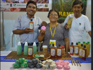 Loreto: Productores comercializan de productos a base de bambú