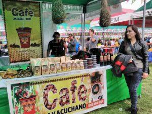 Productores del Vraem participaron en Feria de Maynay