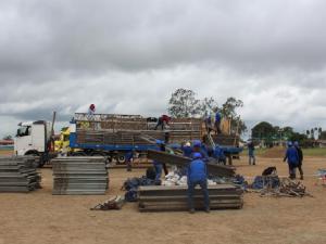 Llegan 30 toneladas de equipos para misa del Papa Francisco en Madre de Dios