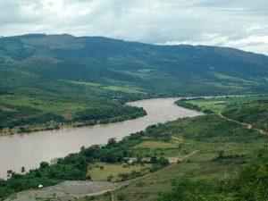 Río Huallaga en estado crítico de inundación