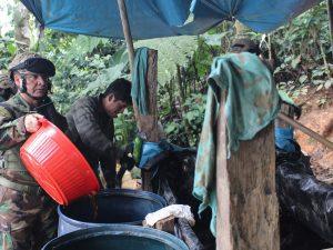 Vraem: Destruyen dos pozas de maceración de hoja de coca