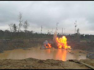 Madre de Dios: Destruyen 30 motores y 15 balsas utilizadas por minería ilegal