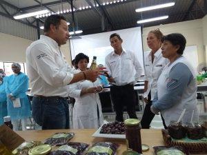 Pasan revista a proyectos productivos en Moquegua