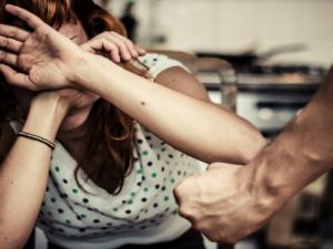 Registran 22 684 agresiones a la mujer y familia asociadas al consumo de drogas en 2017