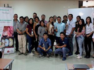 Capacitan en control de calidad en procesamiento de licores en Huánuco