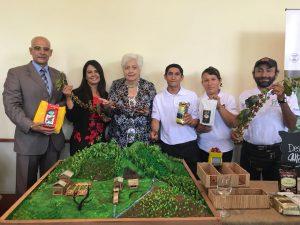 Perú y EEUU impulsan mejora de servicios básicos en zonas donde se cultivaba coca