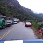 Junín: Habilitan carril en carretera afectada por derrumbe en Perené