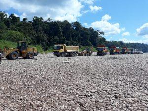 Realizan operativos contra la minería ilegal a orillas del río Aguaytía