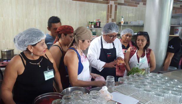 Realizan taller de alta cocina en tingo mar a inforegion for Tecnicas de alta cocina