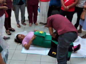 """Loreto: Capacitan a parteras nativas en uso de """"trajes antishock"""" para reducir muertes maternas"""