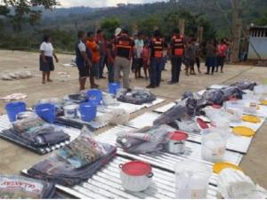 Ayacucho: Entregan ayuda humanitaria a afectados por incendio en Llochegua