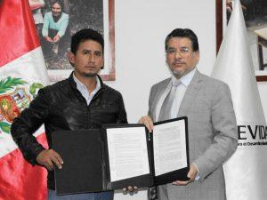 Devida y distrito de Vizcatán del Ene suscriben convenio