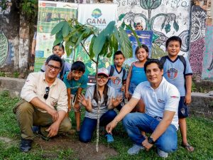 Reforestan con árboles nativos la ciudad de Iquitos
