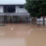 Apoyan evacuación de personas tras inundación en San Martín