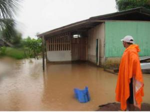 Evalúan daños tras inundación producida en Pasco