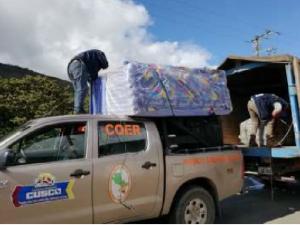 Cusco: Entregan ayuda a afectados por huaico en distrito de Huayopata