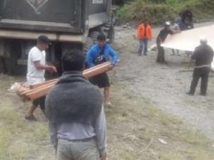 Ayacucho: Entregan ayuda humanitaria a población damnificada por huaicos