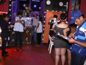 Clausuran bares y cantinas en Puerto Maldonado