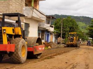 Prosiguen labores para optimizar red vial de Tocache