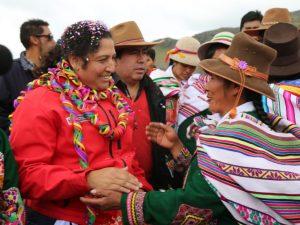 Cusco: Ministra Muñoz inaugura qocha y asegura que reforzará programa de siembra y cosecha de agua