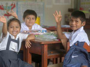 Junín: Cerca de 2 000 estudiantes de Satipo reciben kits escolares