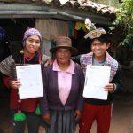 Gemelos huancavelicanos ganan Beca 18 para estudiar en la PUCP y UPC