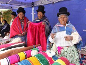 Adultos mayores de Perú y Bolivia celebraron encuentro binacional de saberes ancestrales en zona fronteriza